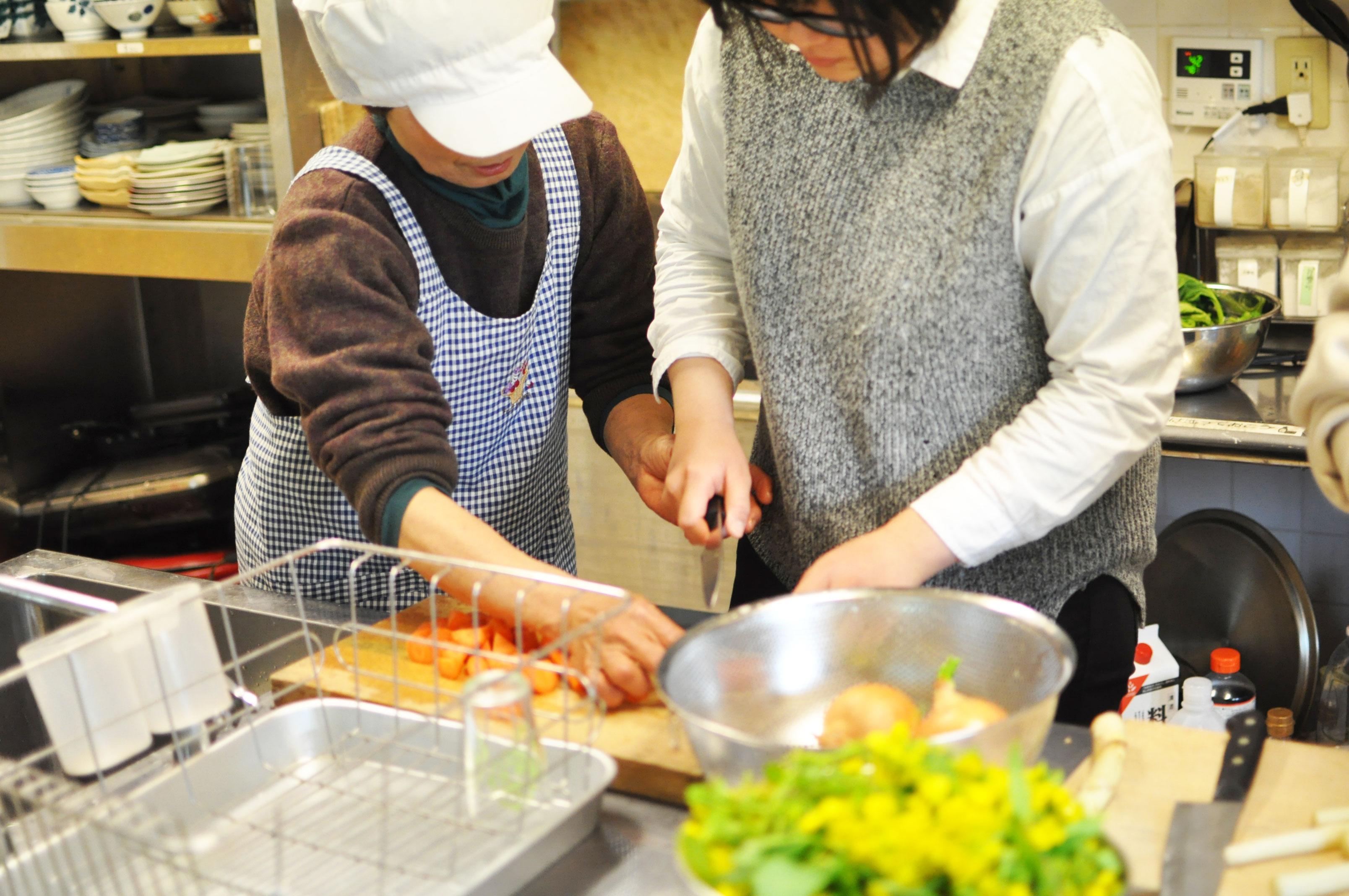 若者支援シェアハウス「人おこし」|料理教室