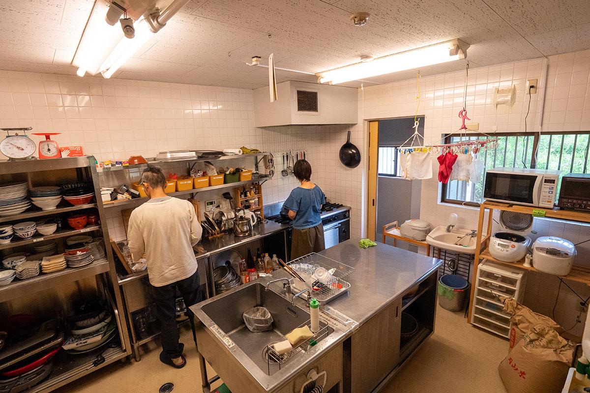 若者支援シェアハウス「人おこし」|キッチン