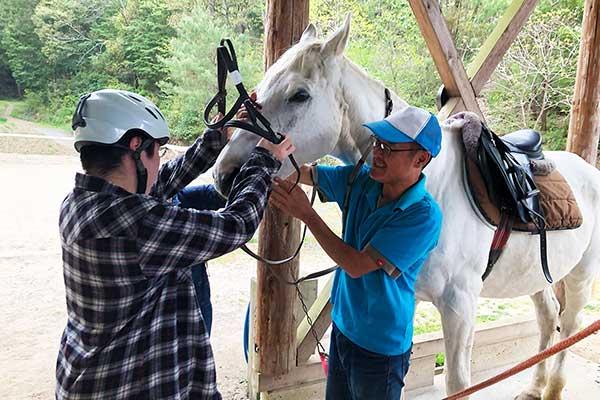 若者支援シェアハウス「人おこし」 乗馬